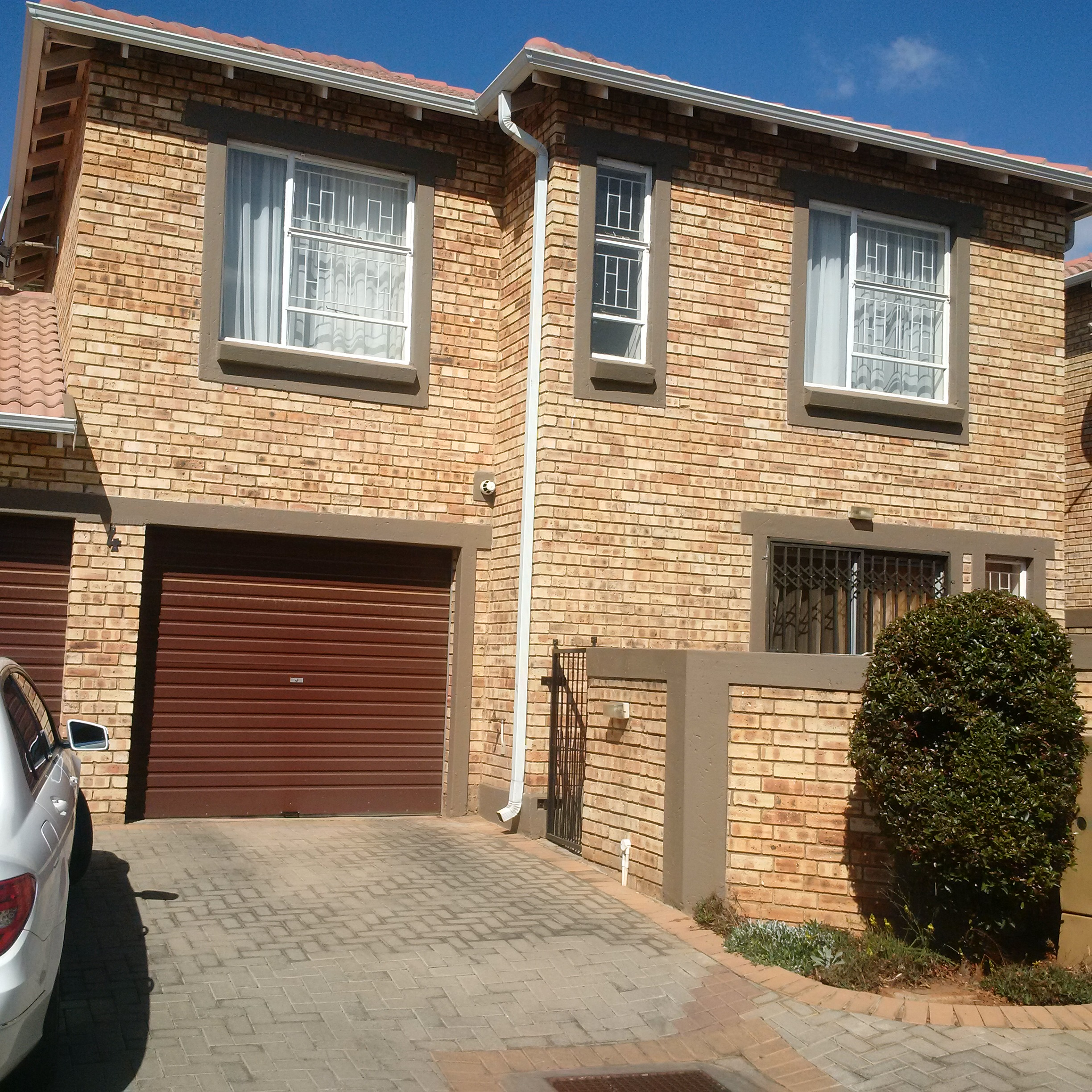 Rental Townhouses: 3 Bedroom Townhouse To Rent In Wilgeheuwel